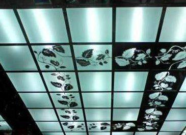 Особенности монтажа стеклянных потолков