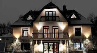 Для чего нужна архитектурная подсветка зданий