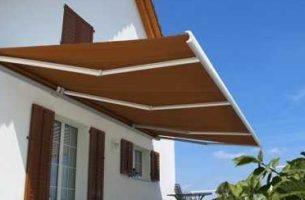 Маркизы – защита от солнца и уникальность внешности дома