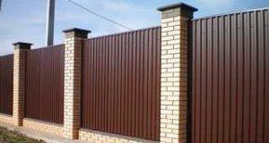 Каким забором огородить участок