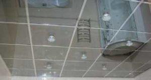 Преимущества кассетных потолков с зеркальными панелями