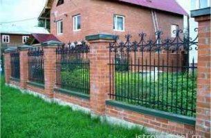 Какой забор можно установить на своем загородном участке