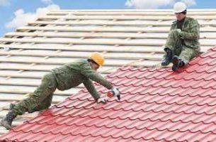 Как покрыть крышу металлочерепицей своими руками. Инструкция.
