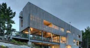 В Канаде существует уникальный дом, плывущий по волнам холмов