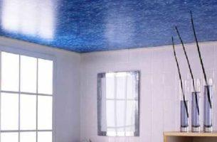 Пленочный натяжной потолок в ванной комнате