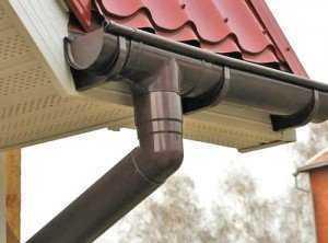О том как сделать водостоки для крыши