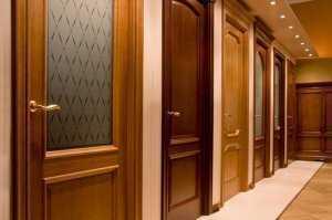 Деревянные двери — классика в дверях