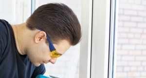 Учимся, как самому отремонтировать пластиковое окно