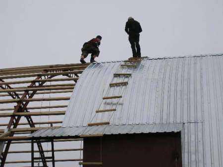Виды арочных крыш и технология строительства