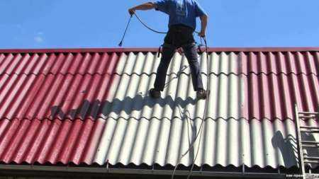Преимущества и сроки службы шифера на крыше
