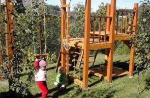 Как сделать детскую площадку самостоятельно: 70 фото реальных построек