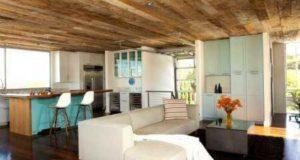 Какой потолок лучше сделать и современная отделка деревом в квартире