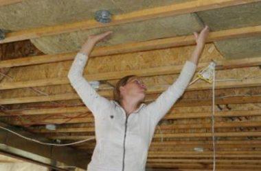 Чем и как утеплить потолок в бане своими руками снаружи и изнутри