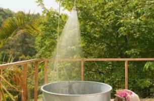 Как сделать открытую ванну и душ для дачи: 30 идей